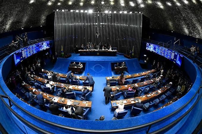 Coronavírus: Senado aprova auxílio emergencial para pessoas de baixa renda